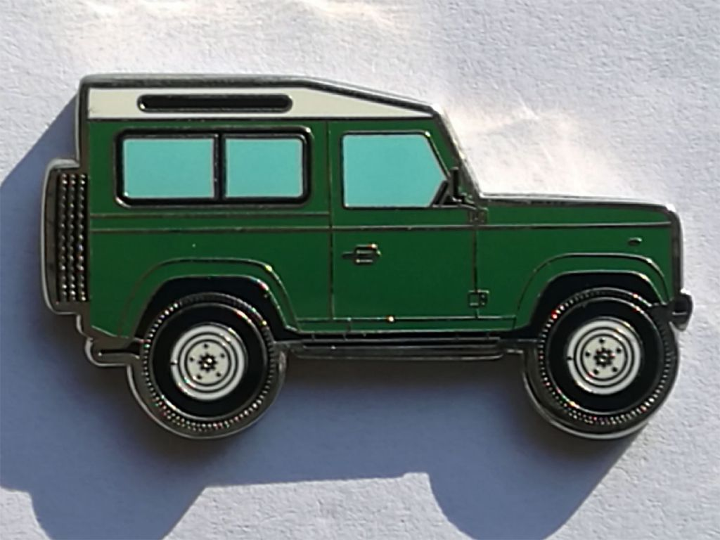Land Rover Defender 90 Geocoin green-1.jpg