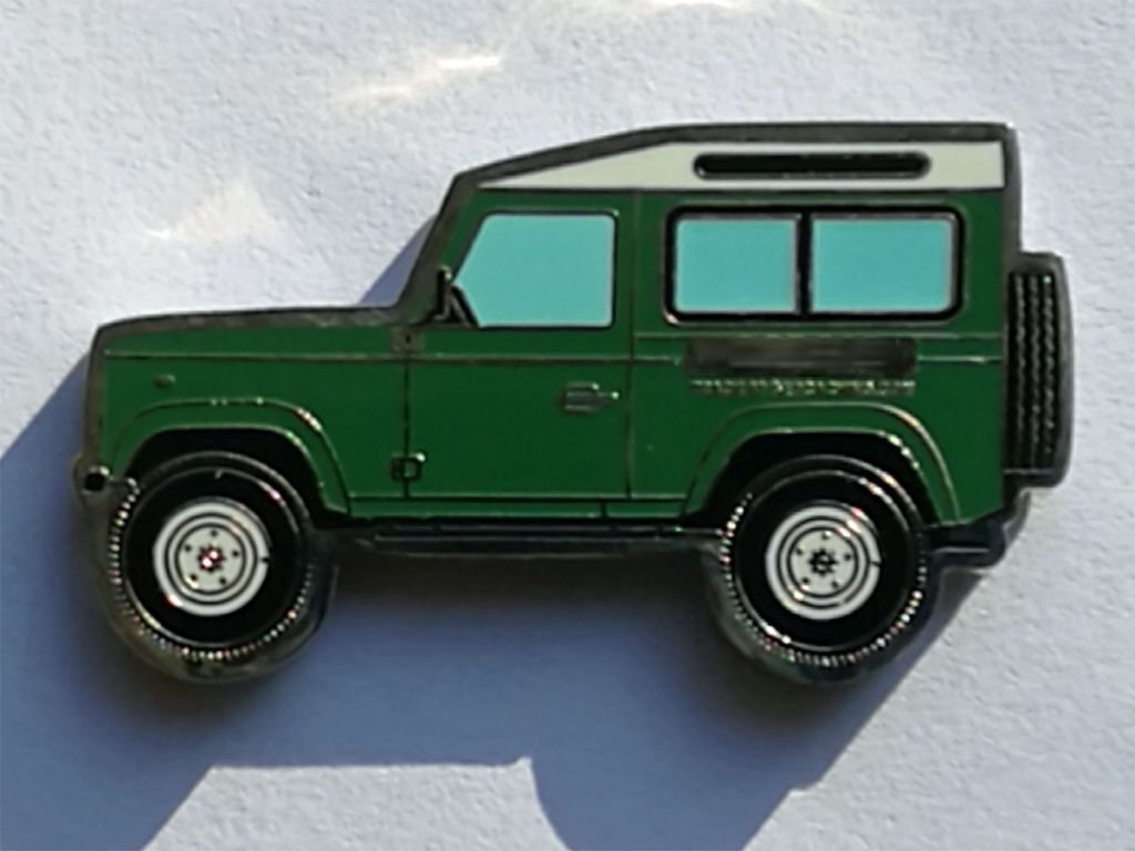 Land Rover Defender 90 Geocoin green-2.jpg